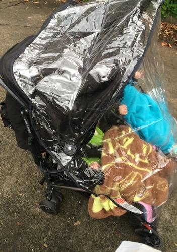 マクラーレン双子用ベビーカー雨よけ横側